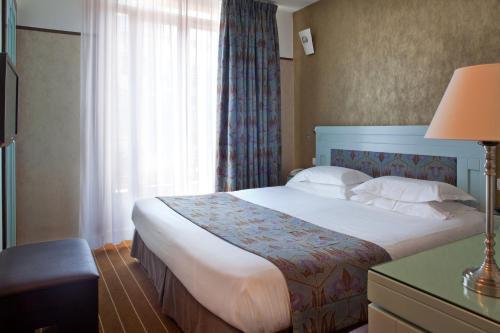 Hotel Eiffel Seine photo 17
