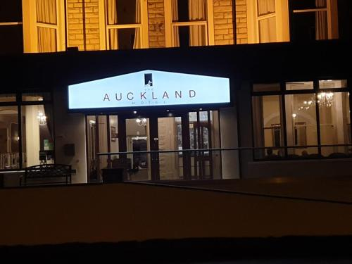 The Auckland Hotel picture 1 of 30