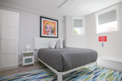 . Stylish Studio in Brookline-5min train to Boston.. #2