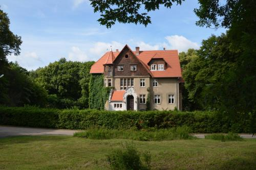 . Pałac Mysliwski Orle