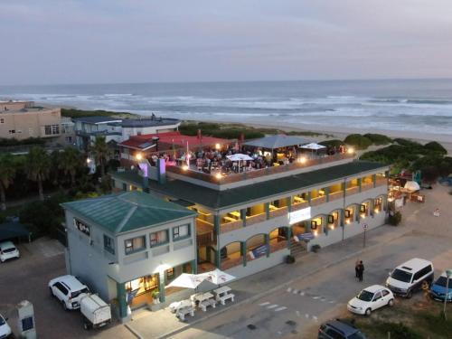 Pili Pili Beach Cabanas (B&B)