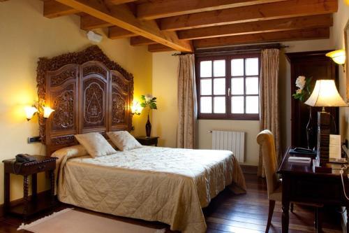 Superior Double Room Hôtel & Spa Etxegana, The Originals Relais (Relais du Silence) 6