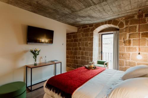 Double Room with Private Bathroom Palacio Condes de Cirac 1