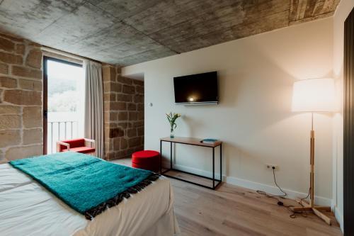 Twin Room with Private Bathroom Palacio Condes de Cirac 2