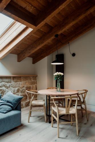 Deluxe Double Room Palacio Condes de Cirac 6