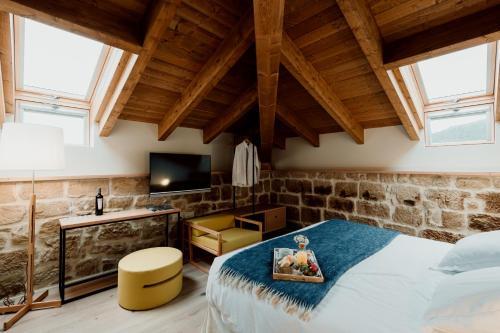 Deluxe Double Room Palacio Condes de Cirac 3