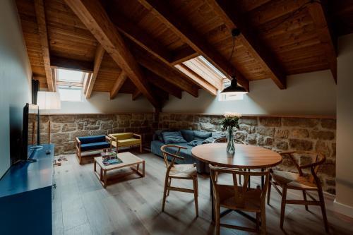 Deluxe Double Room Palacio Condes de Cirac 4