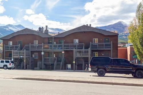 Alpine 203 Condo - Breckenridge, CO 80424
