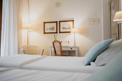 Standard Double or Twin Room Palacio De Los Navas 57
