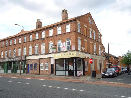 Liverpool Lodge