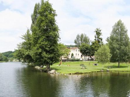 . Hotel du Lac Foix