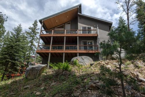 Falcons Nest (Upstairs) - 3BR/3BA Home - Hotel - Yosemite West