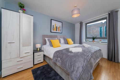 . Ashleigh two bed apartment in the heart of watford