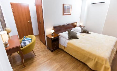 Фото отеля Rooms Base