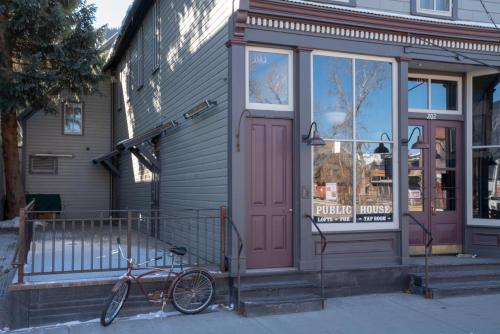 Eleven Experience Public House Lofts - Hotel - Crested Butte