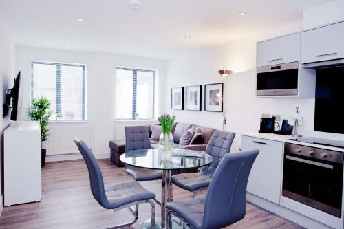 Fabulous apartment in central Reading with parking