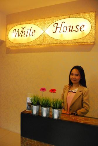 White House Asoke Sukhumvit 18 photo 13