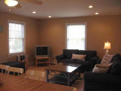 C222 Shafer Home, Washington