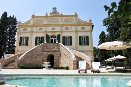 . Villa Rinalducci
