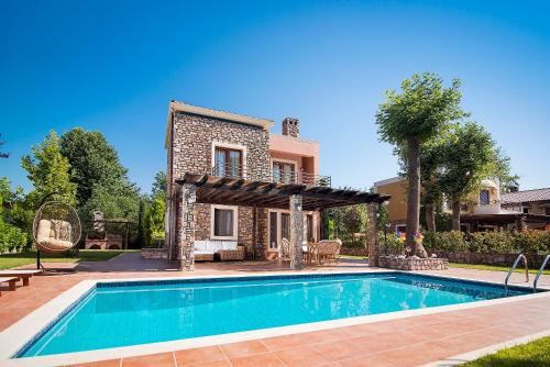 . Olympus Villas