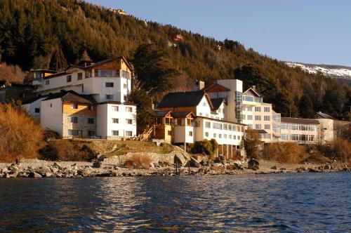 . Hotel Huemul