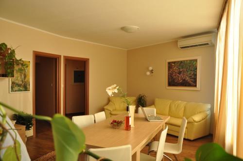 . Rado Apartments