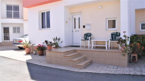 3 Bedroom Townhouse & Communal Pool - Paralimni