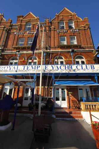 Royal Temple Yacht Club (B&B)