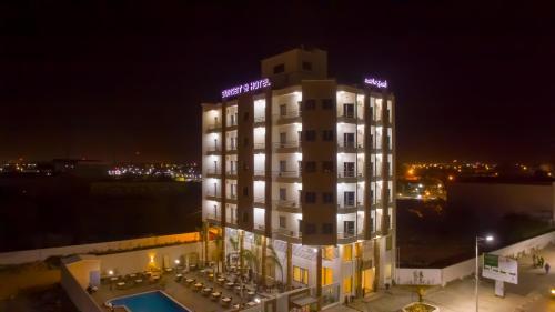 . SUNSET HOTEL
