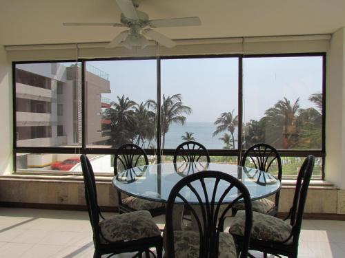 Apartamentos Real   Cerca Al Mar
