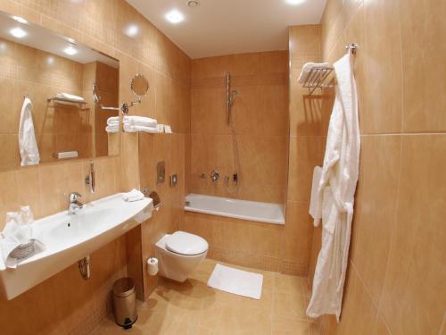 EA Hotel Sonata - image 8