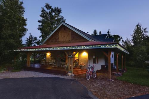 Mariposa Lodge Bed and Breakfast - Accommodation - Steamboat