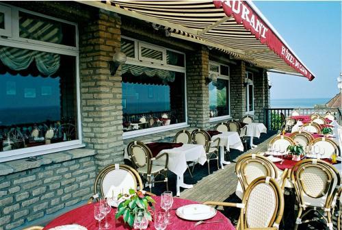 . Logis Hotel Du Casino