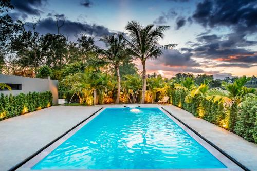 . Luxury 5 Bedroom Private Pool Villa (Riverfront)