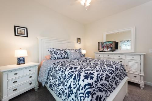 Luxury 5 Bedrooms villa - Storey Lake Main image 1