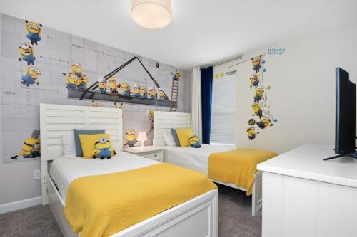 Luxury 6 bedroom home - Storey Lake Main image 1
