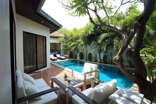 Luxury Thai Pool Villa Best Location Pool & BBQ Luxury Thai Pool Villa Best Location Pool & BBQ