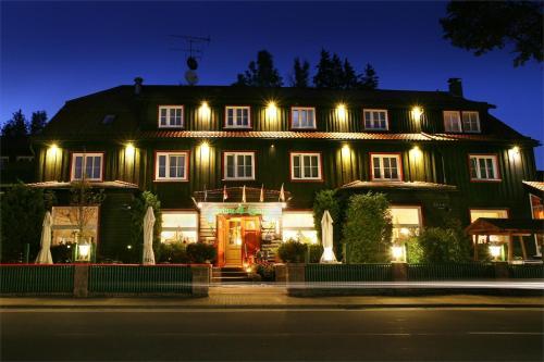 . Hotel Grüne Tanne Mandelholz