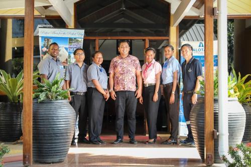 Фото отеля Alotau International Hotel