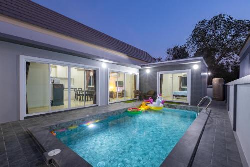Pool Villa Party Pool Villa Party