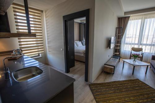 Фото отеля Shimall Hotel