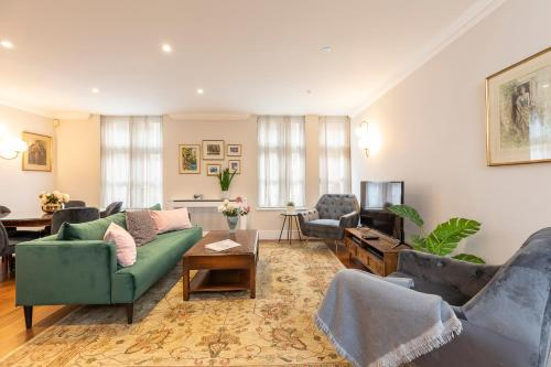 Picture of Mayfair chic and splendid flat