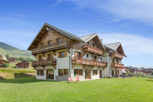 Hotel The Originals Le Beausoleil (ex Hôtel-Chalet de Tradition) La Toussuire