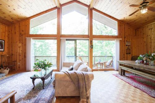 Fox Hill in Black Mountain, NC - reviews, prices | Planet of