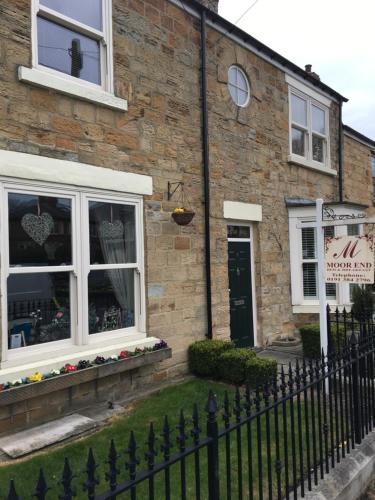 Moor End Guest House (B&B)