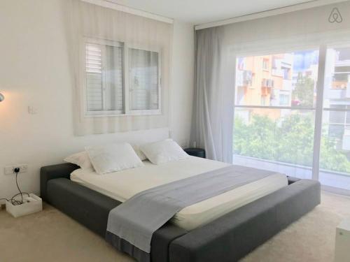Ultra modern Huge 3 bedroom apartment salas fotos