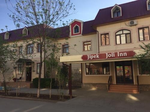 . Jipek Joli Inn