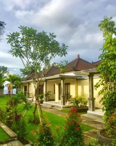 Romeo Beachfront Bungalow, Badung