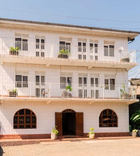 Www Rentalhomes Com: Vacation Rentals In Fort Portal Uganda