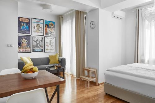 Moodeight Apartments,